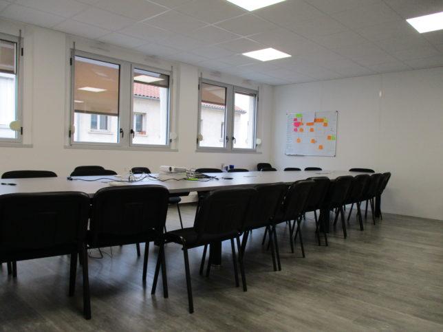 Salle de réunion chantier Deeplink Médical
