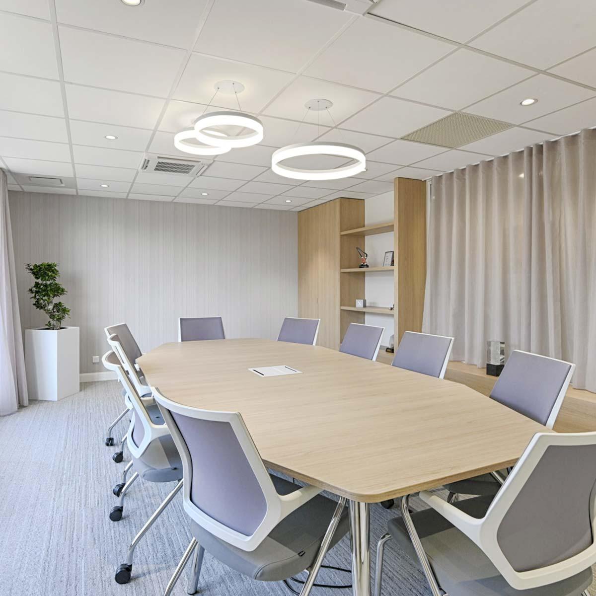 Pose de PVC en entreprise à Lyon par Hestia Finitions