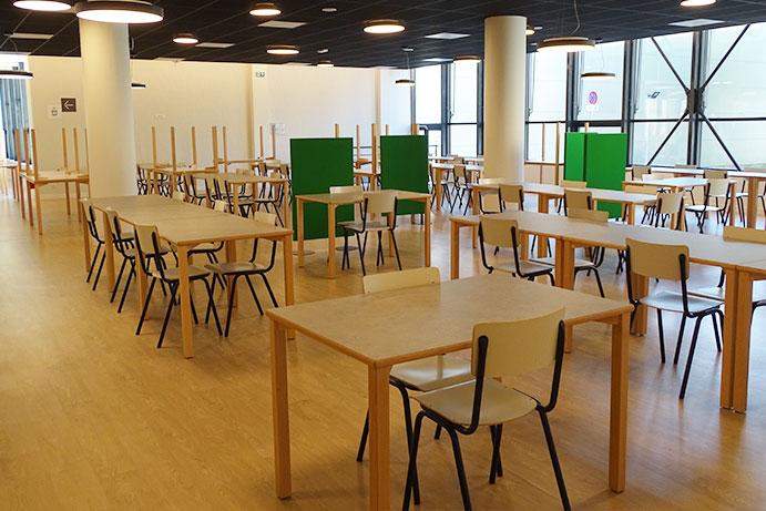 Pose PVC Restaurant ENS Monod - HESTIA FINITIONS